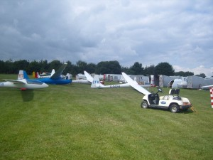 The rigging area for private gliders