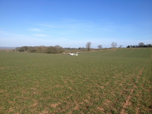 Graham Stanfords Pik 20B in a Shropshire field having landed out